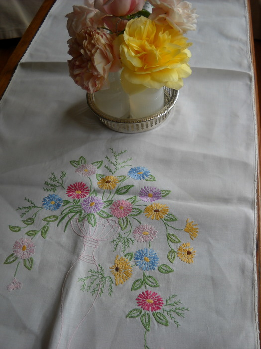 at partygreen celebrations we use vintage fabric locally grown roses like this
